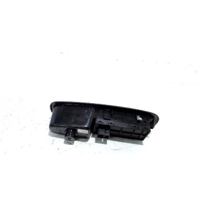 Bedieningspaneel elektrische ramen Fiat 500L (199) (2012 - heden) MPV 1.3 D 16V Multijet Euro 5 (199.B.4000)