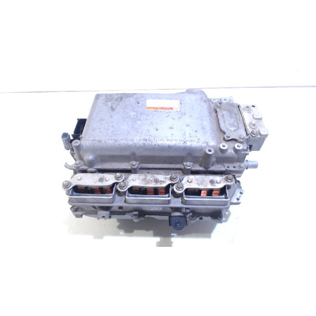Converter Lexus NX (2014 - heden) SUV 300h 2.5 16V 4x4 (2ARFXE)